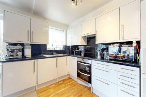 Webber Street, London, SE1. 2 bedroom flat