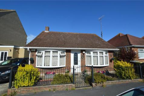Twyford Avenue, Great Wakering, Southend-on-Sea, Essex, SS3. 4 bedroom detached house