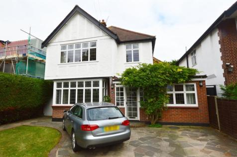 Parkanaur Avenue, Southend-on-Sea, SS1. 4 bedroom detached house for sale