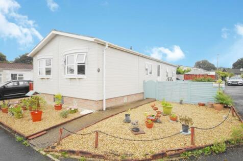 Hillbury Park, Alderholt, SP6. 2 bedroom park home