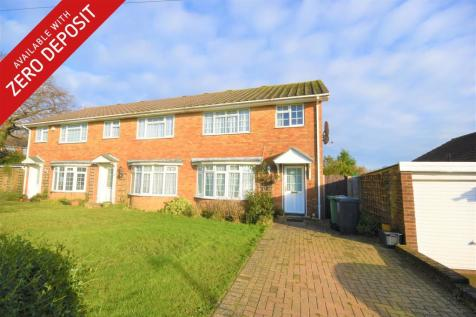 Chartres, Bexhill On Sea, TN40. 3 bedroom end of terrace house