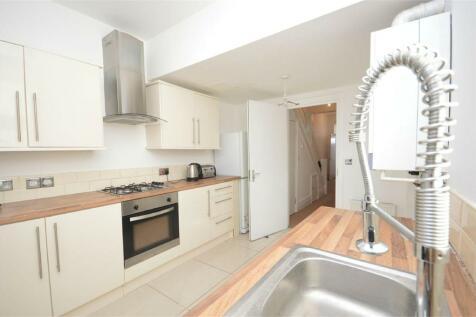 Ormonde Street Student House, Barnes, Sunderland, Tyne and Wear. 4 bedroom terraced house