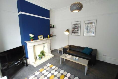 Princess Street, Near City Campus, SUNDERLAND, Tyne and Wear. 4 bedroom terraced house