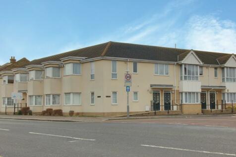 West Road, Westcliff On Sea, Essex. 2 bedroom ground floor flat
