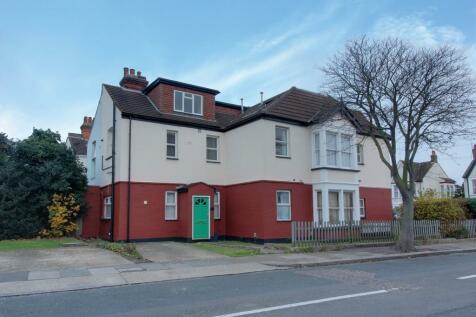 Finchley Road, Westcliff-On-sea. 1 bedroom ground floor flat