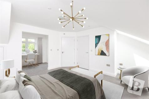 Pettits Lane, Romford, RM1. 5 bedroom house