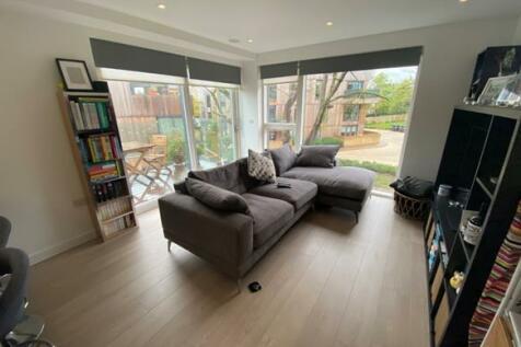Churchwood Gardens, Forest Hill, London, SE23. 2 bedroom apartment