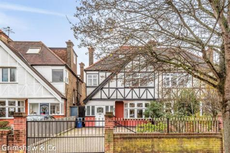Cleveland Road, Near Notting Hill & Ealing High School, Ealing, London. 7 bedroom house for sale