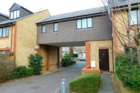 Regents Court, Princes Street, Peterborough, Cambridgeshire, PE1. 1 bedroom flat