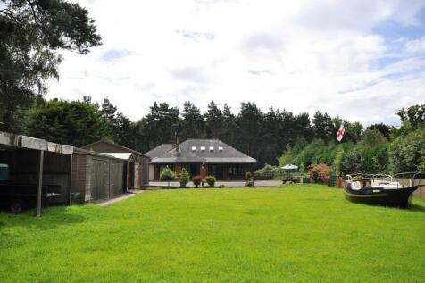 Ringwood, BH24 2SF. 3 bedroom bungalow