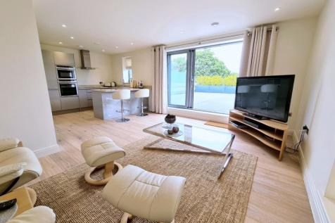 TOWN CENTRE, Ringwood, BH24 1JD. 2 bedroom apartment