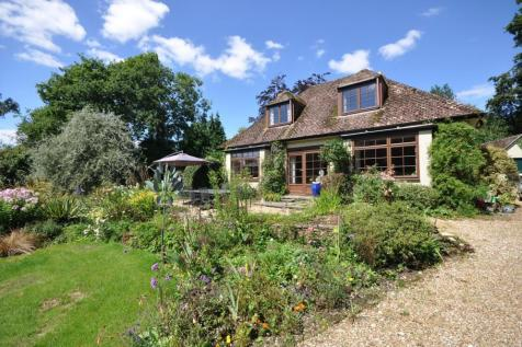 NEW FOREST, Hightown Hill, Ringwood, BH24. 4 bedroom detached house