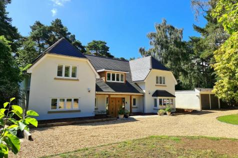 The Chase, Ringwood, BH24 2AN. 5 bedroom detached house