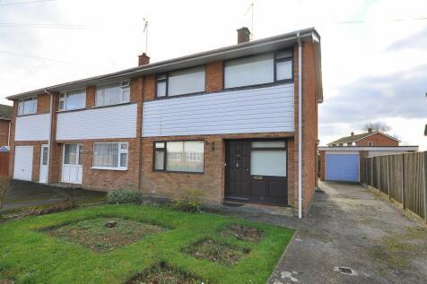 Fordingbridge, SP6 1HG. 3 bedroom semi-detached house
