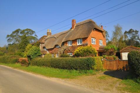 Ringwood. 4 bedroom cottage