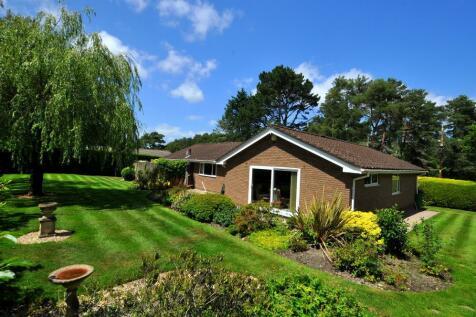 Ashley Drive North, Ashley Heath, Ringwood, BH24 2JN. 3 bedroom detached bungalow