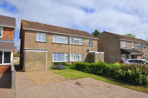 Old Barn Close, Ringwood, BH24 1XF. 3 bedroom semi-detached house