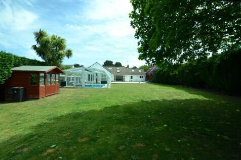 St Leonards, Ringwood, BH24 2QN. 4 bedroom detached house