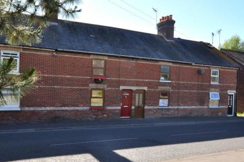 Christchurch Road, Ringwood, BH24 3AS. 3 bedroom house