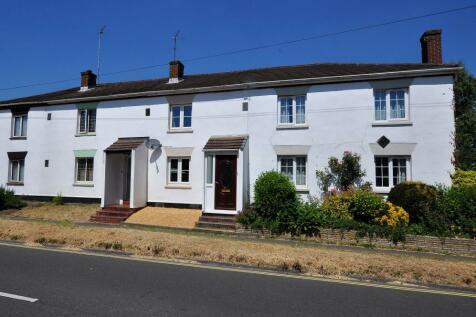 Southampton Road, Ringwood, BH24 1HR. 2 bedroom terraced house