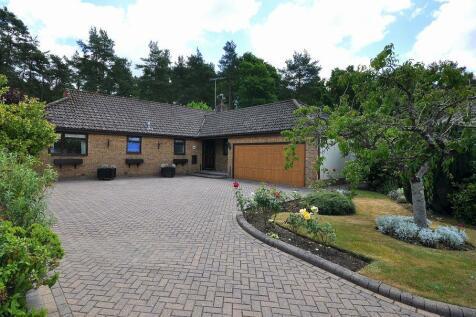 Webbs Way, Ashley Heath, Ringwood, BH24 2DU. 4 bedroom detached bungalow