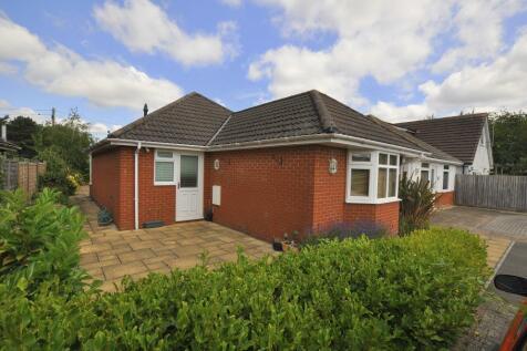 Parsonage Barn Lane, Ringwood, BH24 1PS. 2 bedroom detached bungalow
