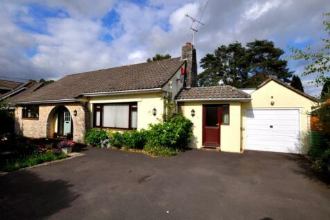 St Leonards, BH24 2QT. 4 bedroom detached bungalow