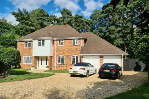Ringwood, BH24 2AW. 4 bedroom detached house