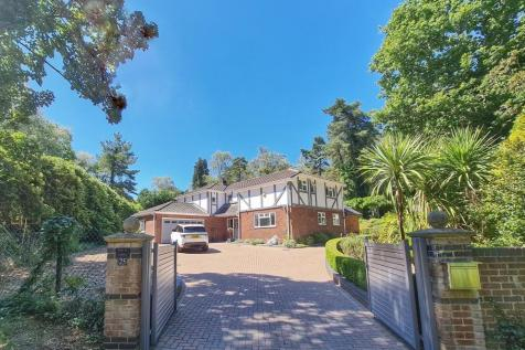 Windmill Lane, Ringwood, BH24 2DQ. 4 bedroom detached house
