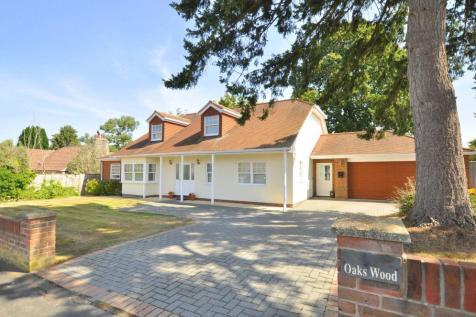 Oaks Drive, St.Leonards, Ringwood, BH24 2QT. 5 bedroom detached house
