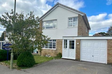 Ross Road, Ringwood, BH24 1XG. 3 bedroom detached house