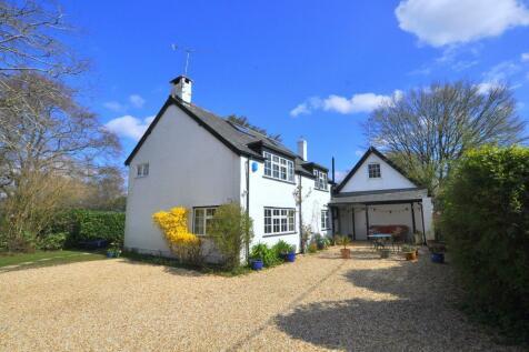 Burley, Ringwood, BH24 4DE. 5 bedroom cottage