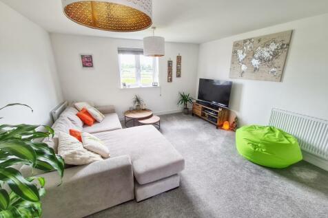 Narrowleaf Drive, Ringwood, BH24 3FR. 2 bedroom apartment