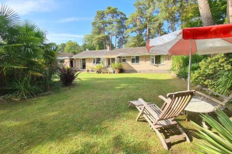 St Ives Wood, St Ives, BH24 2EA. 3 bedroom bungalow