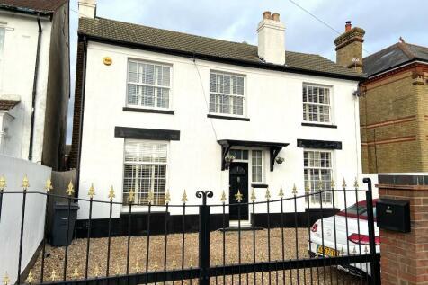 Privett Road, Gosport, Hampshire, PO12. 4 bedroom detached house for sale