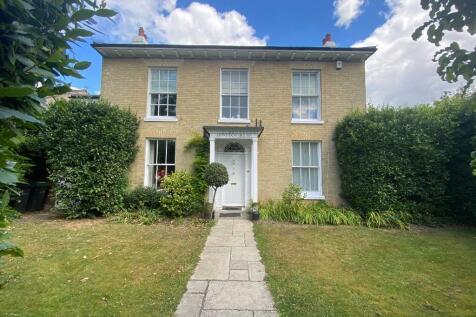 Bury Road, Gosport, Hampshire, PO12. 5 bedroom detached house for sale