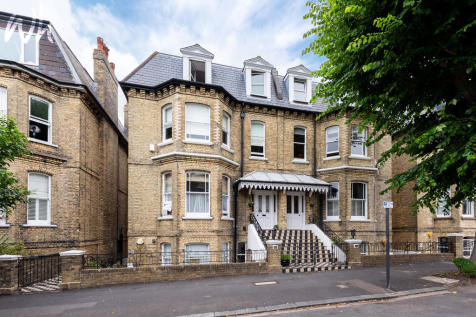 Wilbury Road, Hove. 2 bedroom flat