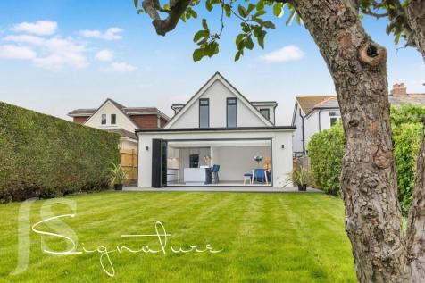 Rosslyn Road, Shoreham-by-Sea, West Sussex, BN43 6WP. 4 bedroom detached house for sale