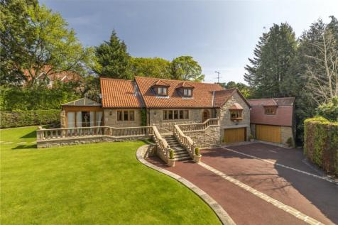 Tall Pines, Langbar Road, Middleton, Ilkley, West Yorkshire, LS29. 4 bedroom detached house for sale