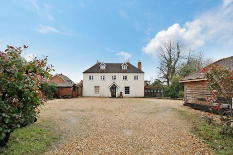 Claremont Gardens, Purbrook. 5 bedroom detached house for sale