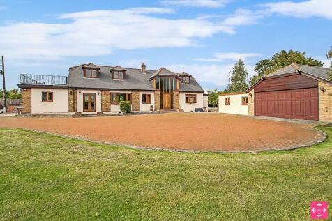 Great Warley Street, Brentwood, Essex, CM13. 4 bedroom detached house for sale