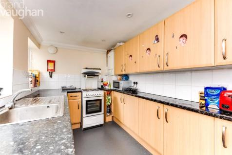 Bentham Road, Brighton, East Sussex, BN2. 4 bedroom terraced house
