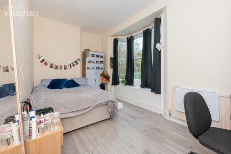 Wakefield Road, Brighton, BN2. 6 bedroom terraced house