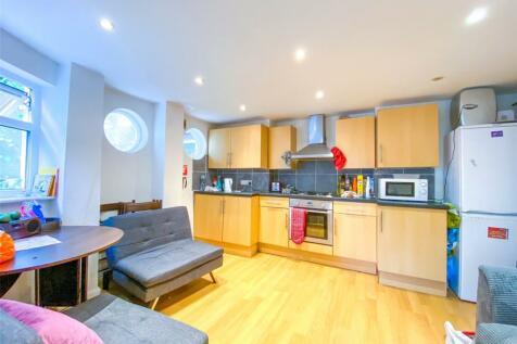 Carisbrooke Road, Brighton, BN2. 5 bedroom terraced house