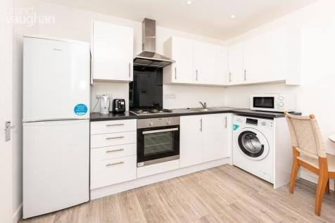 Newmarket Terrace, Brighton, BN2. 2 bedroom apartment