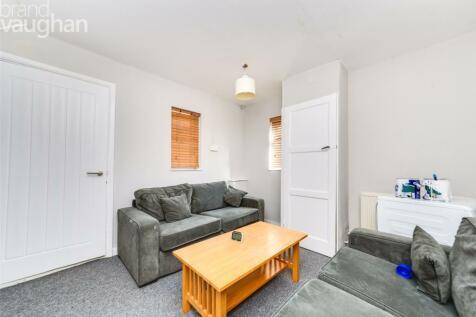 Roundway, Brighton, BN1. 5 bedroom semi-detached house