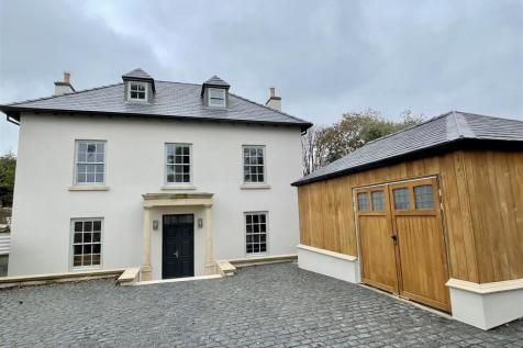 Little Hervells Court, Chepstow. 5 bedroom house for sale
