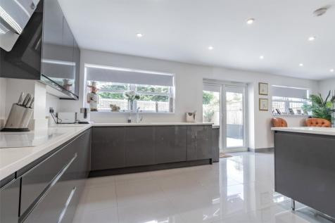 Seaforth Avenue, Motspur Park, New Malden, Surrey, KT3. 5 bedroom detached house for sale