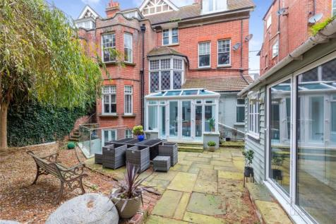 Fourth Avenue, Hove, East Sussex, BN3. 4 bedroom apartment for sale