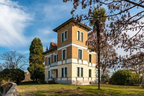 Piedmont, Turin. 6 bedroom villa for sale